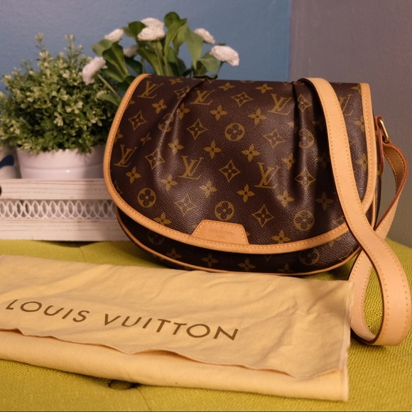 55b922754515 Louis Vuitton Handbags - LOUIS VUITTON Sling bag